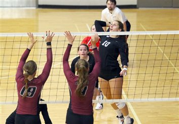 Lady Lancers Split Pair Of Tourney Matches