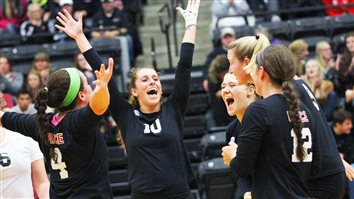 Grace College Volleyball Sweeps Rival Bethel