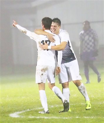Last-Minute Wondergoal Sends Grace To Title Game