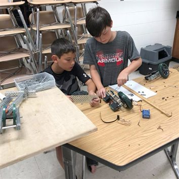 Wawasee School Offers 2019 Summer Robotics Camps