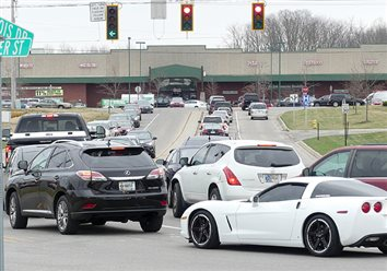 City Discusses Traffic Woes On Parker St., Husky Trail